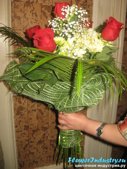Оформление цветов своими руками букеты сетка 1